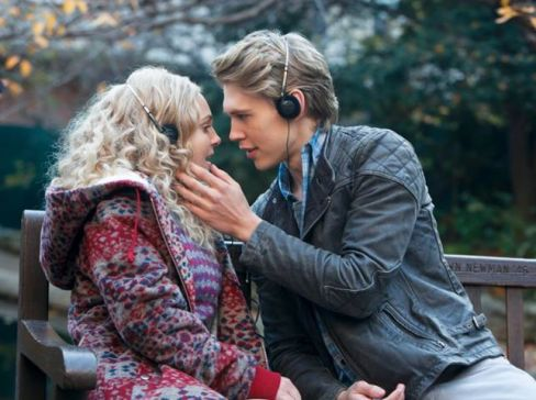Carrie-Bradshaw-and-Sebastian-Kydd-the-carrie-diaries-35286831-643-480